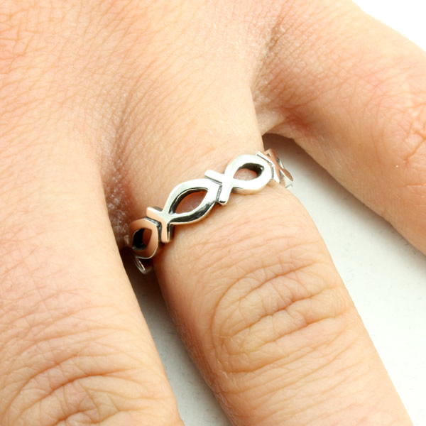 Cutout Ichthus Ring - SR-439