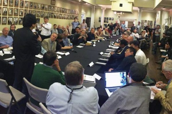 clubhouse-meeting