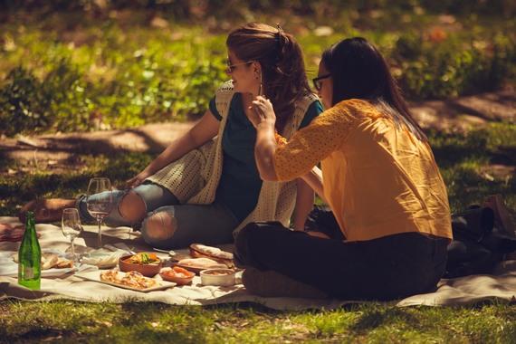 Thumb picnic en los jardines