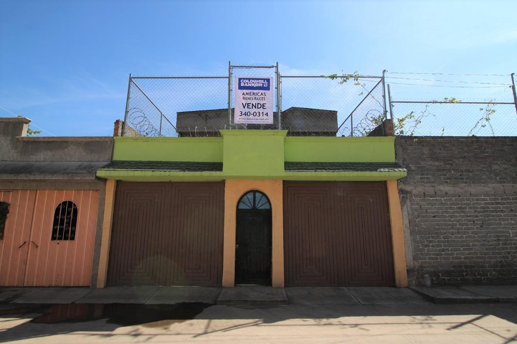 Casa en venta en Morelia, cerca de la central de autobuses.
