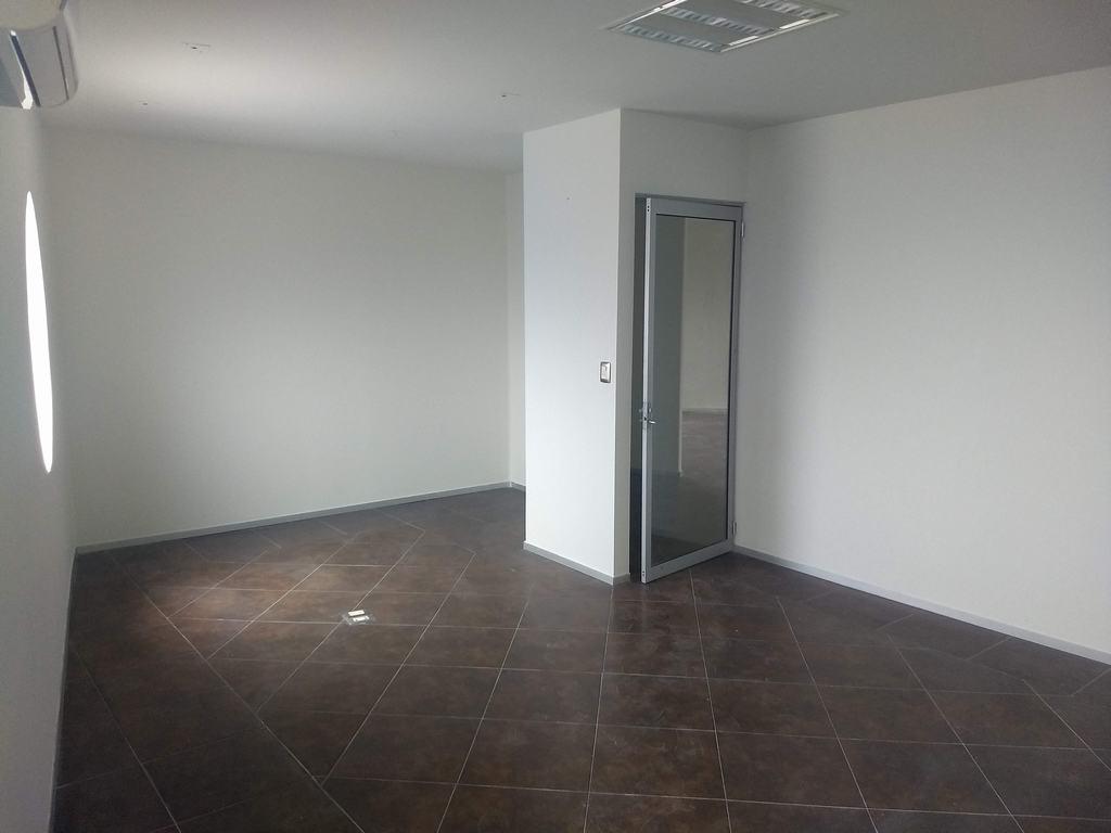Oficinas en RENTA 200M2 Guadalupe Edificio 3 Pisos