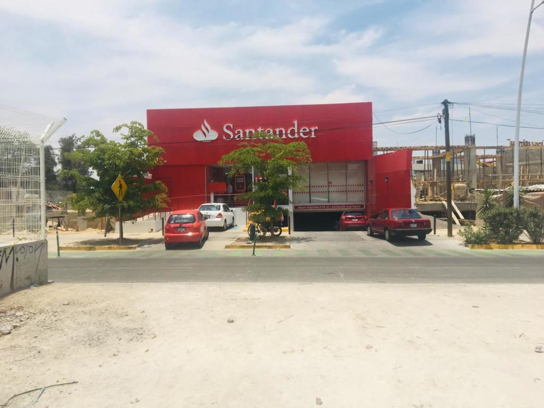 PRE- Renta de Local comercial en Planta Alta, Plaza Comercial Àvila Camacho Guadalajara Jalisco.