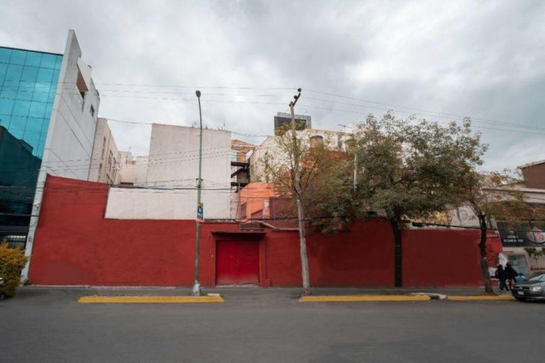 LOCAL COMERCIAL EN BARRANCA DEL MUERTO 405