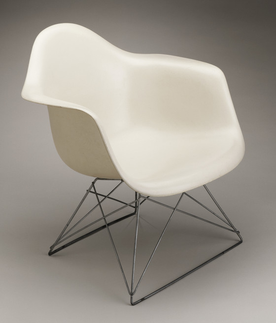 Eames Molded Fiberglass Chair
