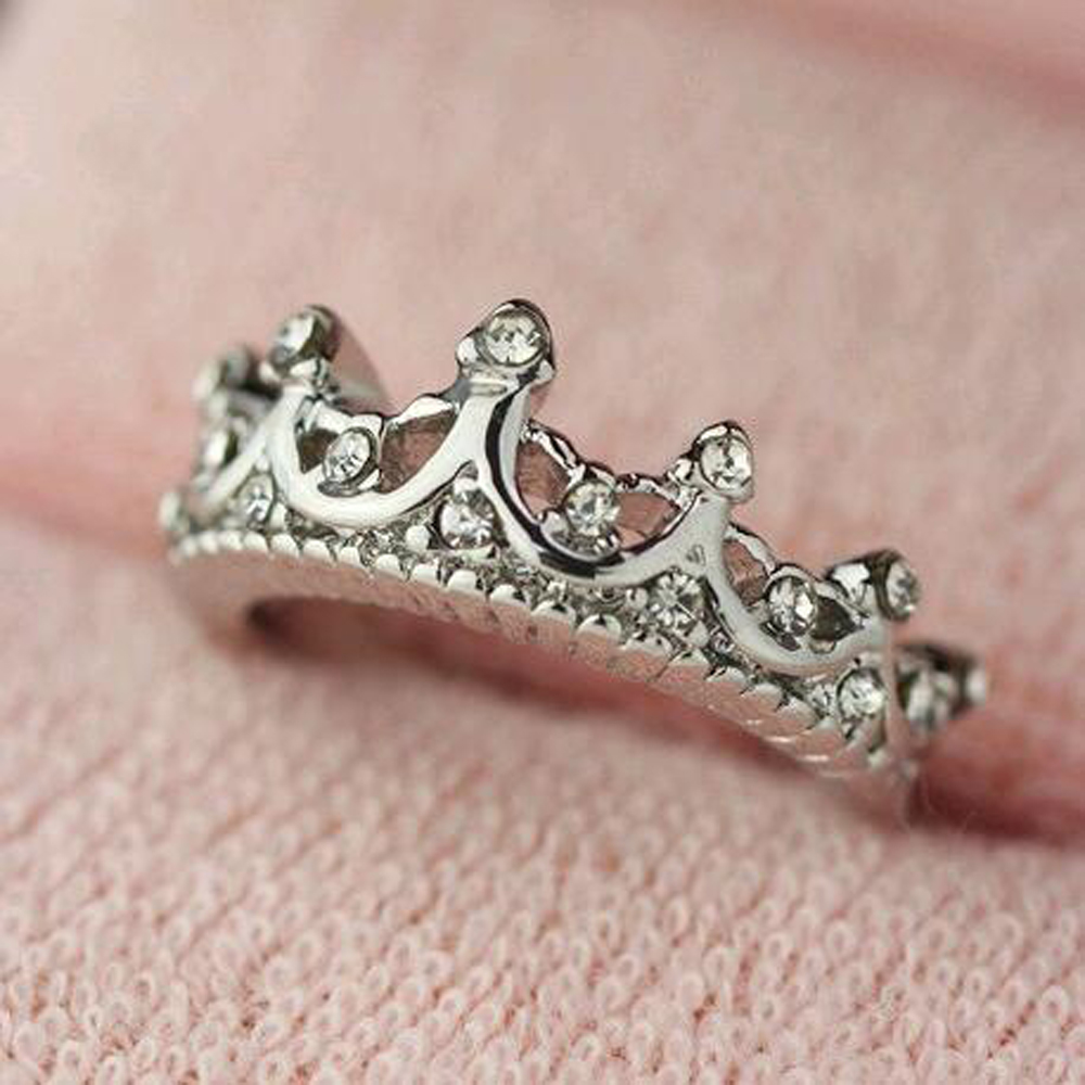 Vintage Queen Crown Shaped Birthstone Ring