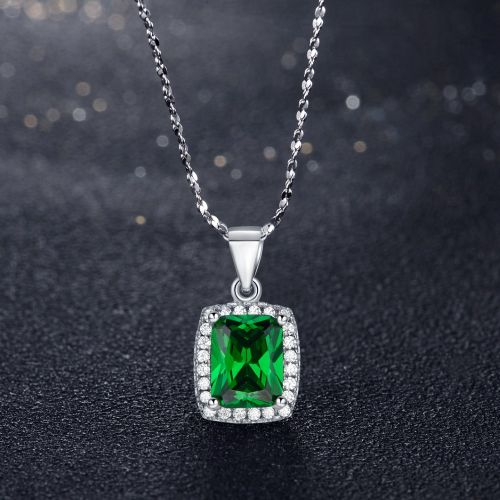 The Dazzler Necklace (Emerald)