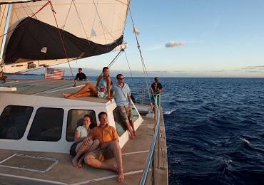 Waikiki Fireworks Dinner Sail image 2
