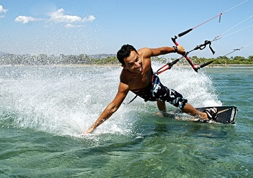 Private Kitesurfing image 1