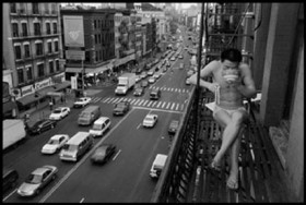 © Chien-Chi Chang / Magnum Photos, </span><span><em>1998, USA, New York City, Chinatown</em>