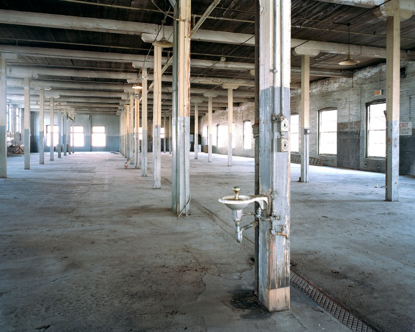 Brenda Liu, </span><span><em>Gooderham &amp;amp; Worts Pure Spirits Building, Third Floor, 2001</em>, </span><span>C Print, 41 x 51 cm (City of Toronto Archives, Series 994, Item 1)