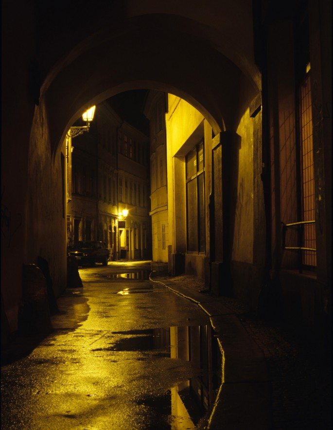 Dan Falk, </span><span><em>Prague After Dark: The Alley</em>, </span><span>C-Print from slide film, 18 x 12