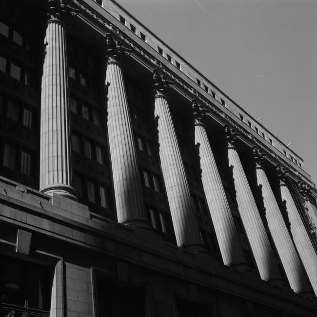 Paul Till, </span><span><em>Columns, Chicago, 2005</em>, </span><span>Silverprint, 45cmX45cm