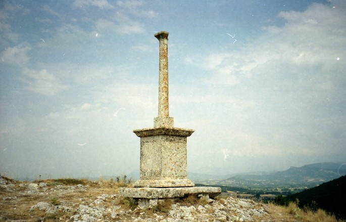 nicolas vasiljevic, </span><span><em>number12, 2002</em>
