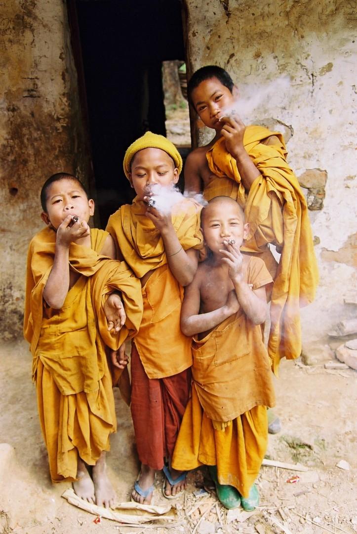 Glen Baxter, </span><span><em>Novice Monks, Shan State, January 2006</em>, </span><span>Negative Print, 16 x 20