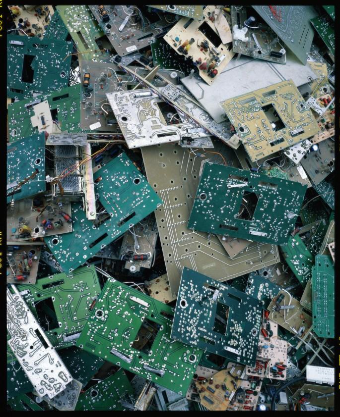 Xing Danwen, </span><span><em>disCONNEXION, Image B3 from the series, 2002 - 03</em>