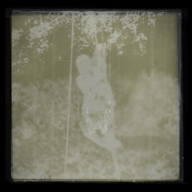 Aaron Murphy, </span><span><em>Rope Swing, 2006</em>, </span><span>Pigmented Inkjet Print, 74 x 75 cm
