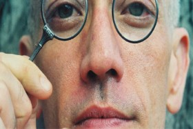 Steven Cline, </span><span><em>Self-Portrait with Lorgnette,2006</em>, </span><span>21.5