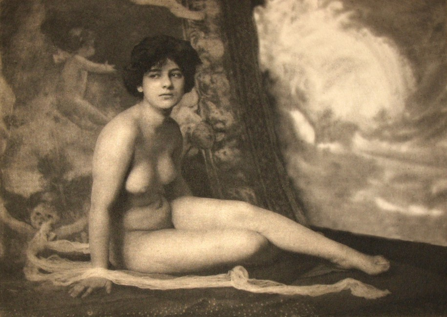 Frank Eugene, </span><span><em>Nude -  A Study, 1910</em>, </span><span>tissue paper, 12cm  x  17cm