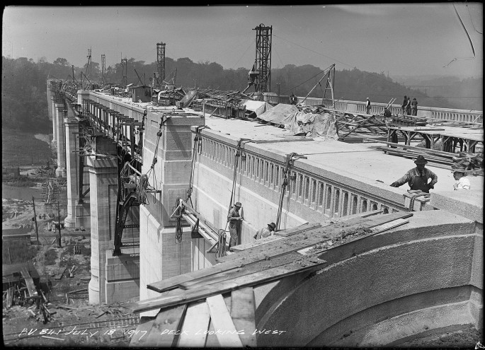 Arthur S. Goss, </span><span><em>Bloor Viaduct, Deck Looking West, 1917</em>, </span><span> (Series 372, Subseries 10, Item 841)