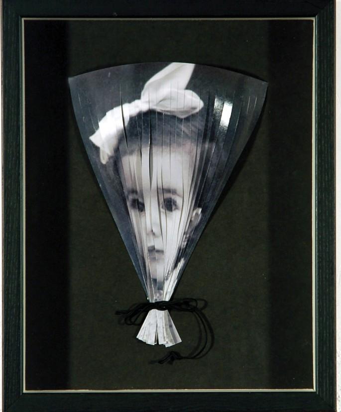 Lucilla Bonfanti, </span><span><em>The String, 2005</em>, </span><span>photo-based mixed media, 11