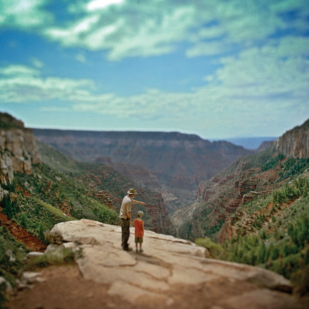 Toni Hafkenscheid, </span><span><em>Father and Son, Grand Canyon, 2006</em>