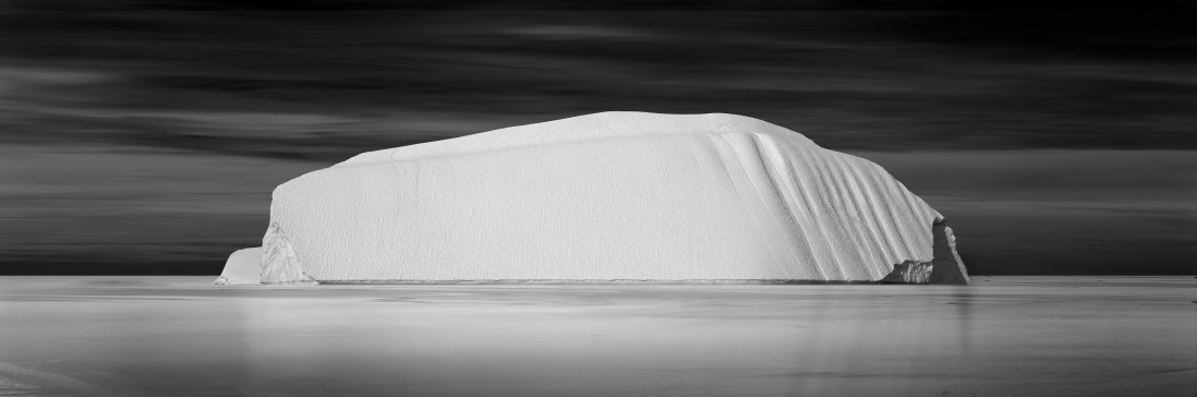 David Burdeny, </span><span><em>Grounded Iceberg 01, Greenland 2007</em>, </span><span>23