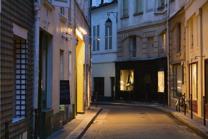 Jacquelyn Sloane Siklos, </span><span><em>Paris street near the Rue Buci, 2008</em>, </span><span>12x18