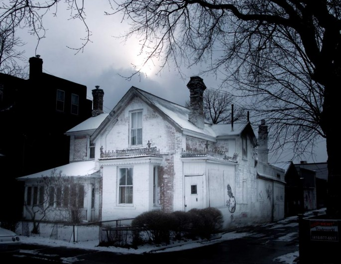 Nicolai Grut, </span><span><em>House on Huron, 2008</em>, </span><span>Digital Photo on Archival paper,  8 x 10