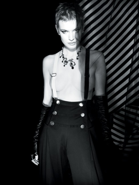 Caitlin Cronenberg, </span><span><em>Iconic Beauty II, 2009</em>