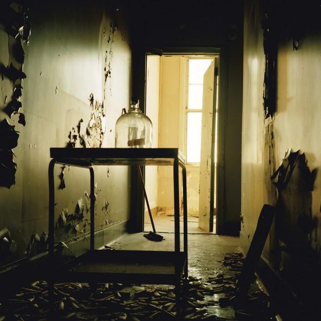 Alejandro Valencia, </span><span><em>Kodak: Exiting The Darkroom</em>, </span><span>2008