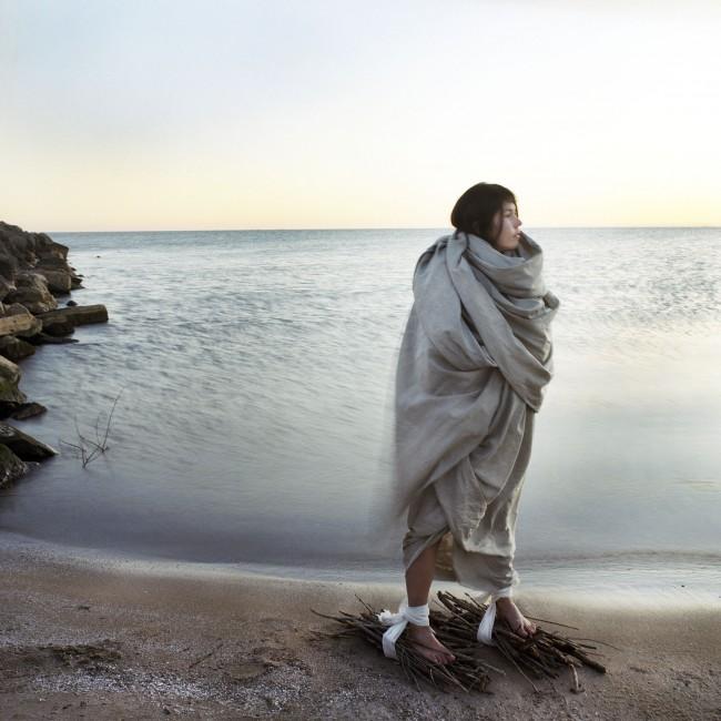 Meryl McMaster, </span><span><em>Between Worlds</em>, </span><span>2009