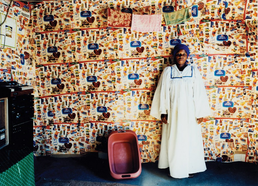 Zwelethu Mthethwa, </span><span><em>Untitled, 2000</em>, </span><span> Image courtesy of Dr Kenneth Montague / The Wedge Collection