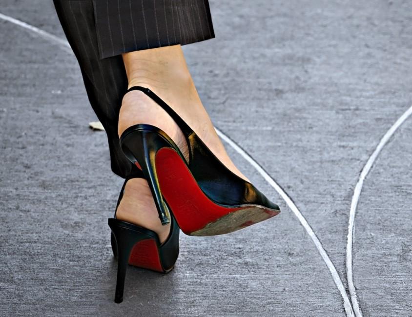 Brenda Hoffert, </span><span><em>Fashionista</em>, </span><span>2010 © 2010 Brenda Hoffert