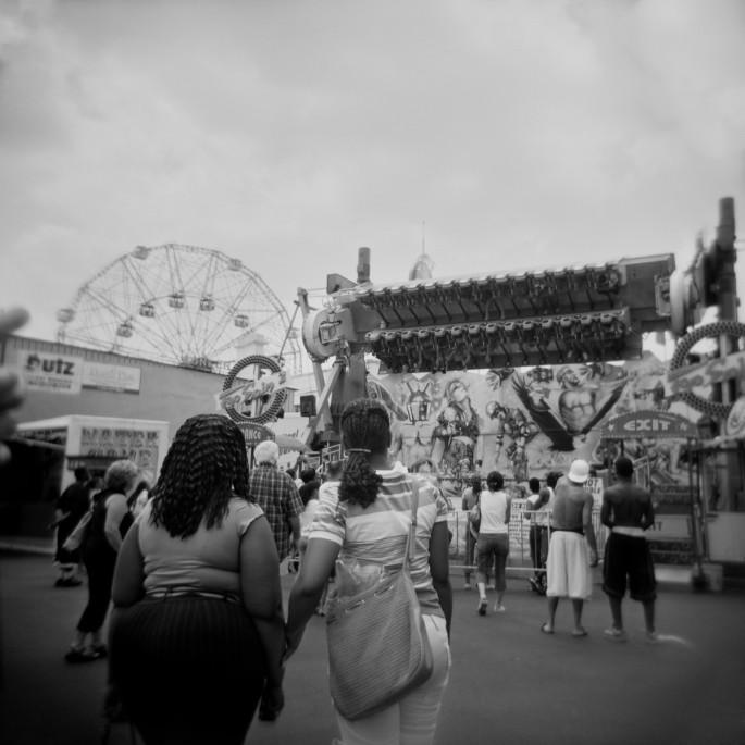 Jade Lee Portelli, </span><span><em>Coney Island</em>, </span><span>2006