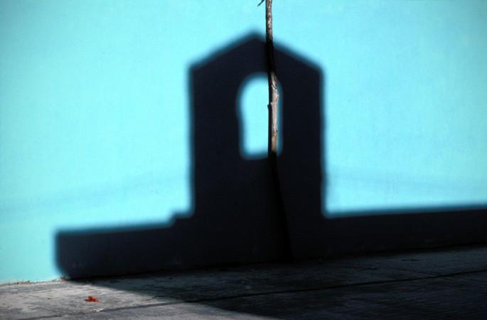 Jeffrey Berman, </span><span><em>Isla Holbox, Mexico</em>, </span><span>2002