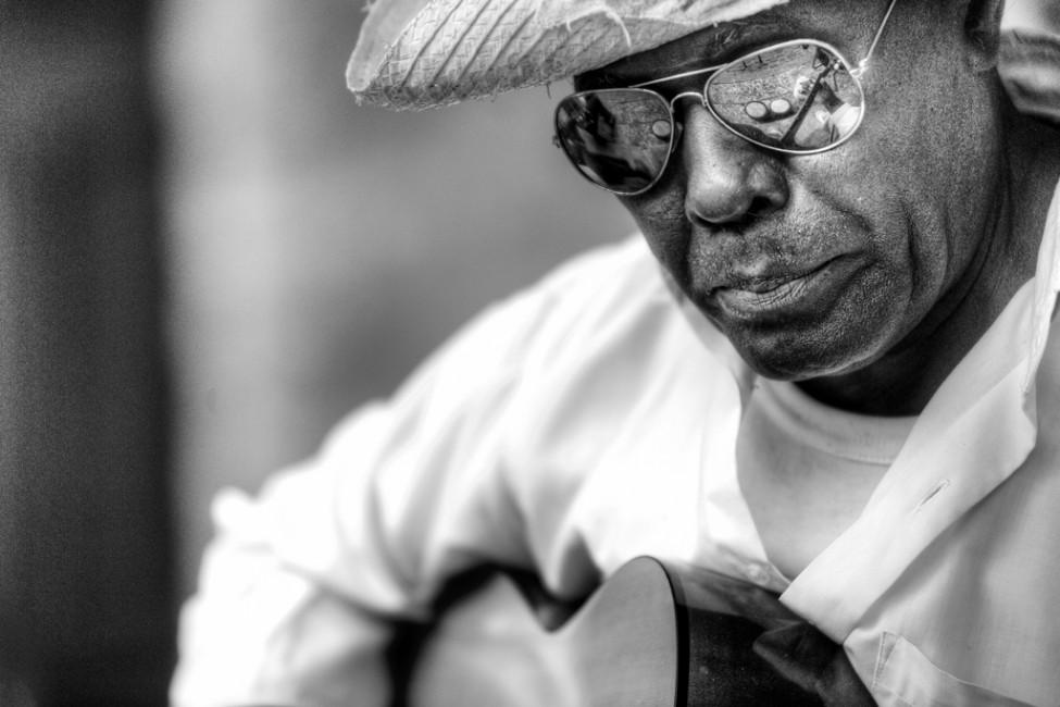 John Davidson, </span><span><em>Havana Guitar</em>, </span><span>2010