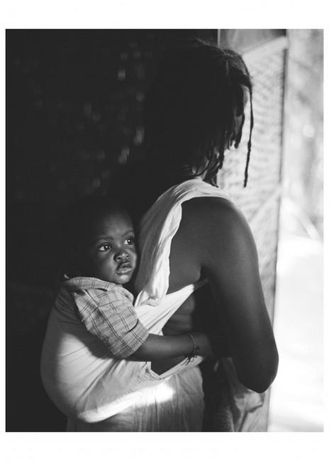 Adisa S. Oji, </span><span><em>Mother and Child</em>, </span><span>2001