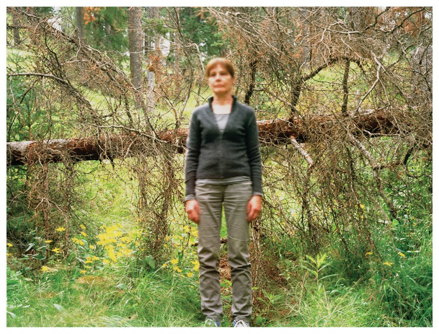 Suzy Lake, </span><span><em>Extended Breathing Against the Branches</em>, </span><span>2009 Courtesy of Paul Petro Gallery