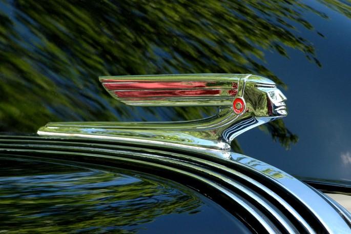 Nathan Hiller, </span><span><em>'37 Pontiac</em>, </span><span>2009