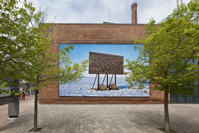 Kevin Schmidt, </span><span><em>Sign in the Northwest Passage</em>, </span><span>2010 Image credit Toni Hafkenscheid