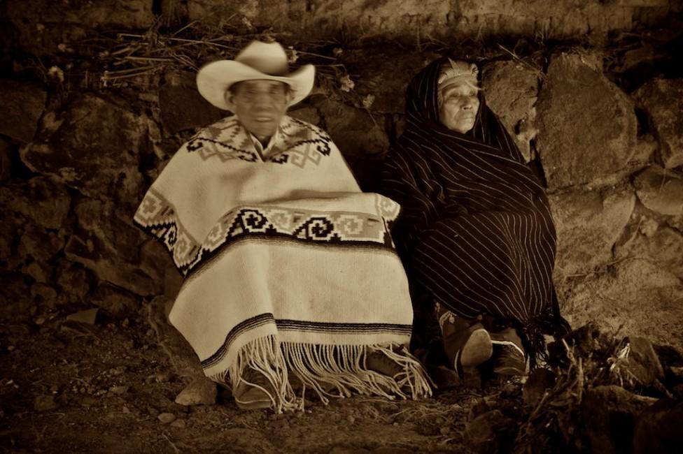 Copyright Louis Au 2010, </span><span><em>Cemetery couple; Arocutin, Michoacan, Mexico</em>, </span><span>2010