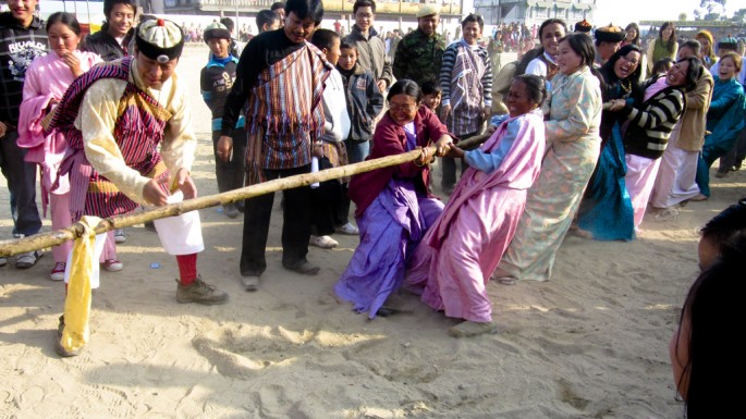 Charisma K. Lepcha, </span><span><em>Tug of war</em>, </span><span>2010