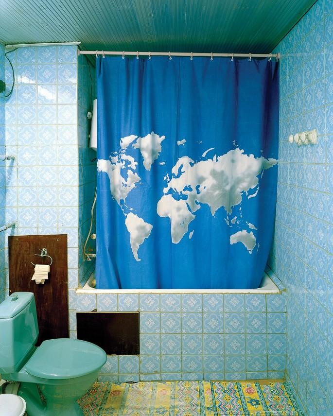Andrew Rowat, </span><span><em>Shower Curtain, Hotel Avesta, Tajikistan</em>, </span><span>2007