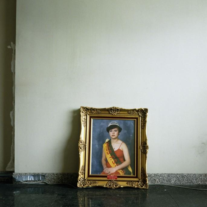 Richelle Forsey, </span><span><em>Abandoned Beauty Queen</em>, </span><span>2012