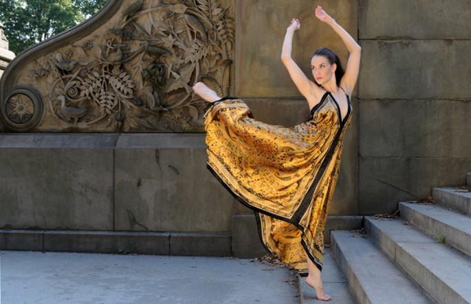 Gregory Holmgren, </span><span><em>Allison In Gold, Bethesda Terrace NYC #1</em>, </span><span>2012