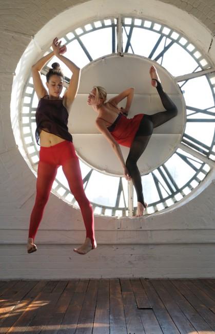 Gregory Holmgren, </span><span><em>Clock Tower The Bronx Number One</em>, </span><span>2012