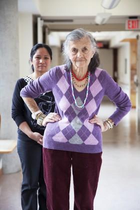 Debra Friedman, </span><span><em>Irene and Flory, Baycrest Centre</em>, </span><span>2013