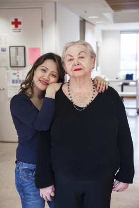 Debra Friedman, </span><span><em>Dorothy and Chrissy, Baycrest Centre</em>, </span><span>2012