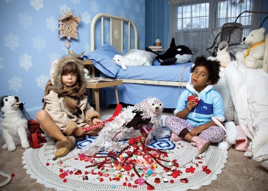 Jonathan Hobin, </span><span><em>Seal Heart, from the series In the Playroom</em>, </span><span>2010