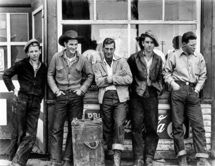 Gordon Parks, </span><span><em>Drugstore Cowboys, Turner Valley, Canada</em>, </span><span>1945 Copyright The Gordon Parks Foundation. Courtesy The Gordon Parks Foundation.